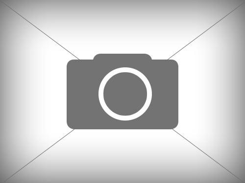 Siloblockschneider, Verteilmaschine und Strohhäcksler