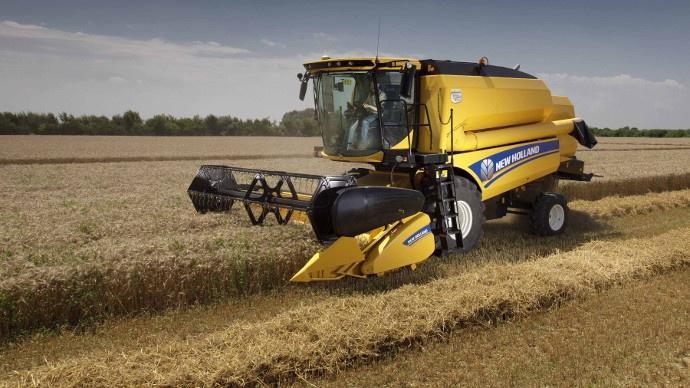 Moissonneuses-batteuses New Holland - Un modèle à 4 secoueurs et une nouvelle dénomination pour la gamme TC