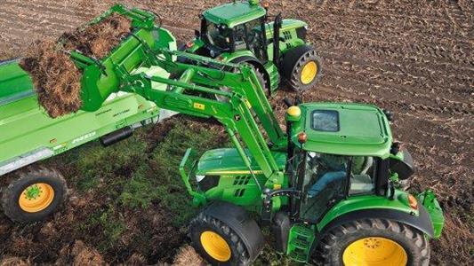 Eima 2012 / Tracteurs 6M - Polyvalence et confort pour le nouveau coeur de gamme de la série 6 John Deere