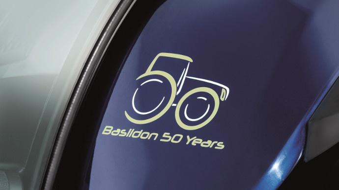 Série spéciale T6 et T7 Jubilé d'or - New Holland fête 50 ans de production de tracteurs à Basildon