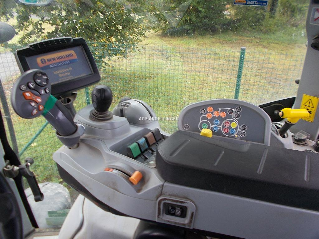 New Holland T7-200RC