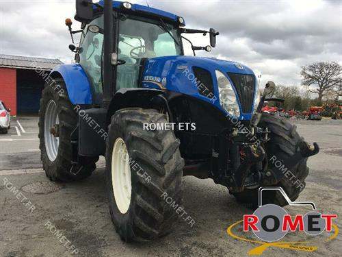 New Holland T7220