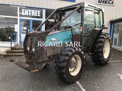 Valtra Tracteur agricole 6400 Valtra