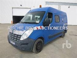 Renault MASTER Fourgon Crew Cab 4x2