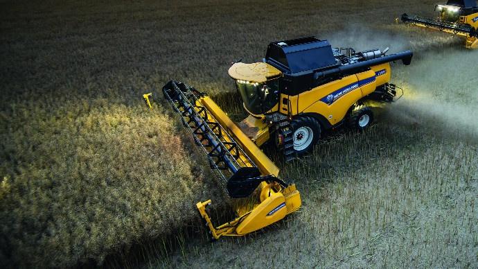 Nouvelle série CX New Holland - Avec 490ch, la CX8.90 devient la conventionnelle la plus puissante au monde