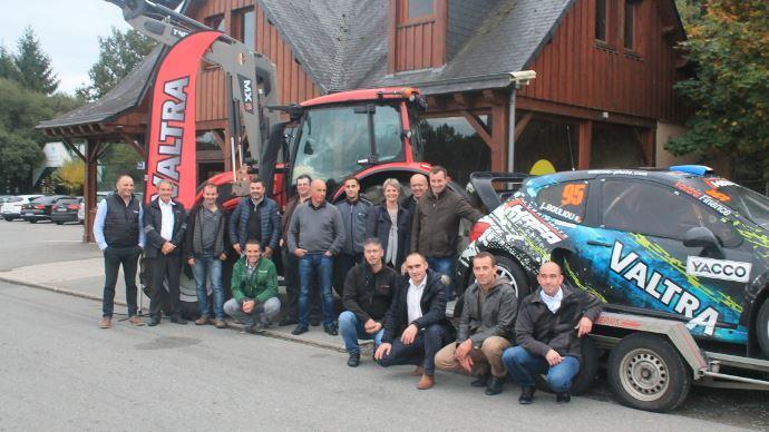 Rallycross - Agriculteurs et concessionnaires Valtra se tirent la bourre