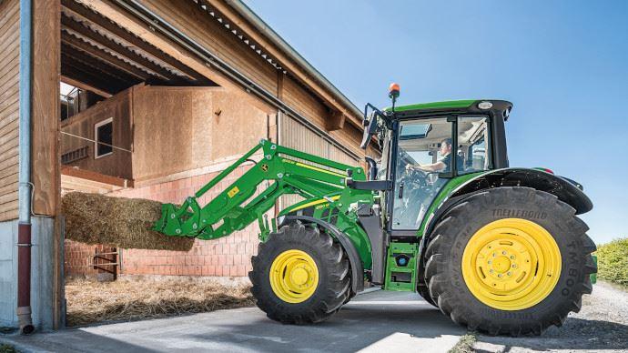 Chargeur frontal - M: la nouvelle gamme John Deere pour les tracteurs jusqu'à 155 ch