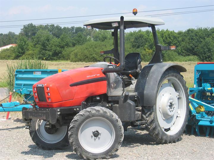 Version roue étroite pour binage Désherbage et traitement avec pneu de dimension supérieur pour gagner en garde au sol.