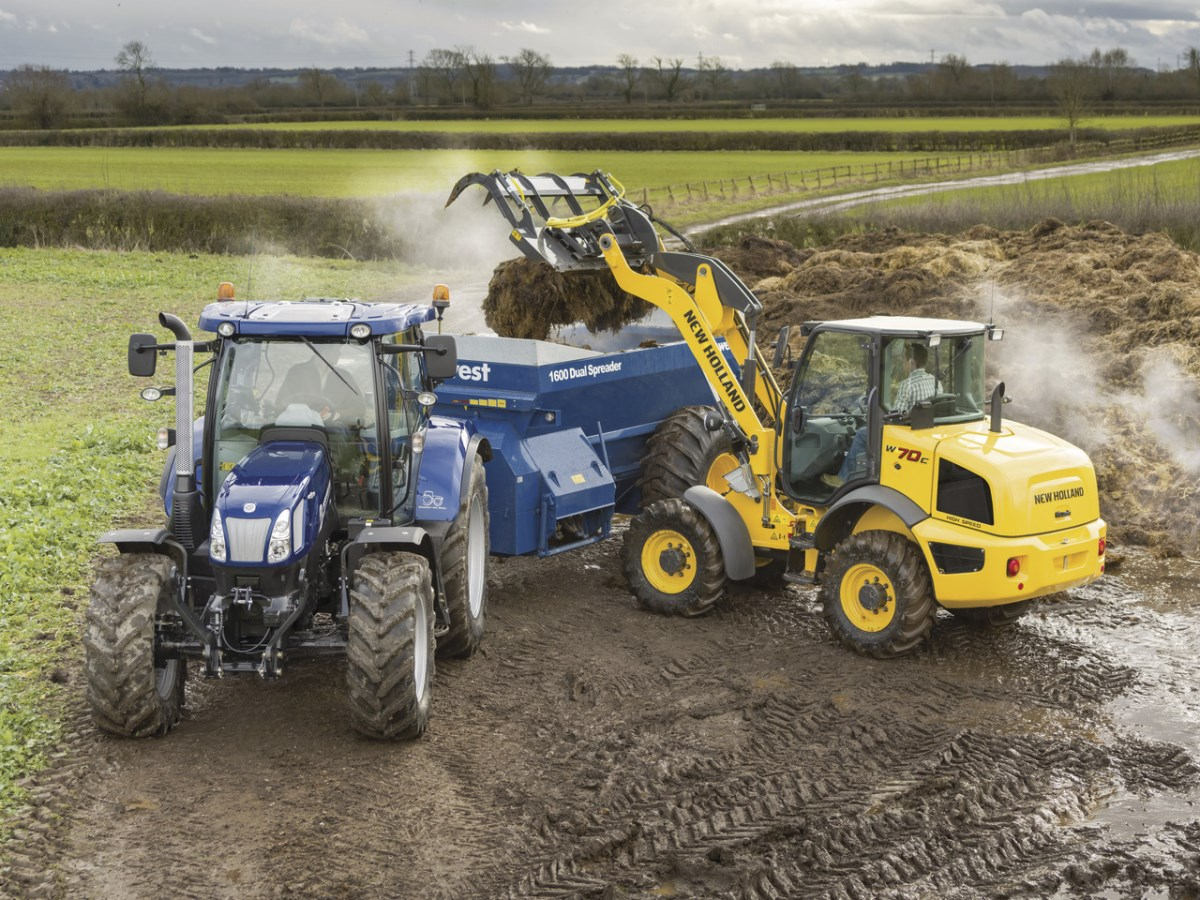 NEW HOLLAND - MINI CHARGEUSE BATIMENT ELEVAGE